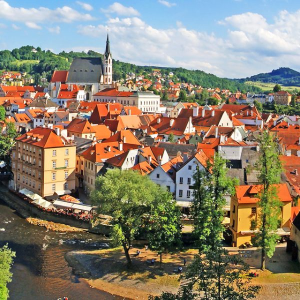 Historical Urbanism of Eastern Europe